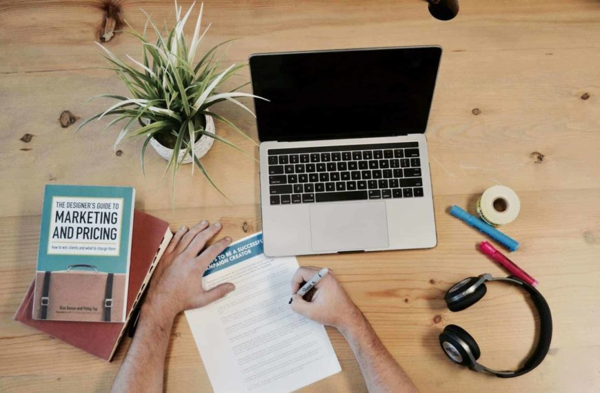 What Does A Marketing Assistant Do?