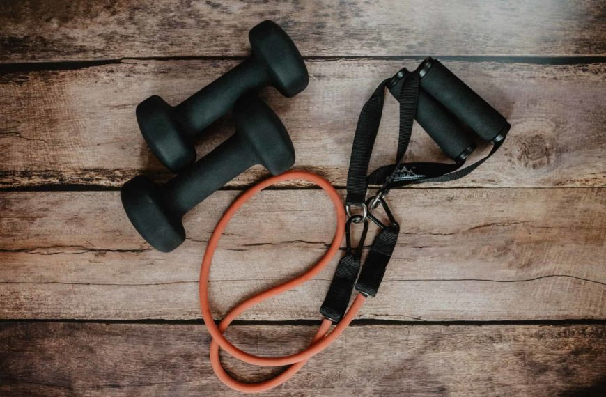 Top 10 Online Personal Trainers For 2021 – Get Fit, Remotely!
